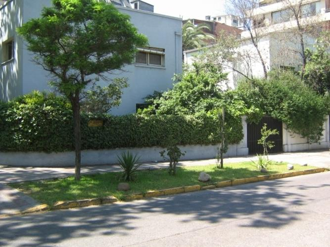 PLAZA LAS LILAS/COLEGIO SAN IGNACIO/METRO COLON/ COLEGIO SAN GABRIEL