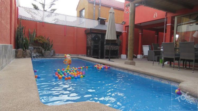 Hermosa casa con piscina en sector norte