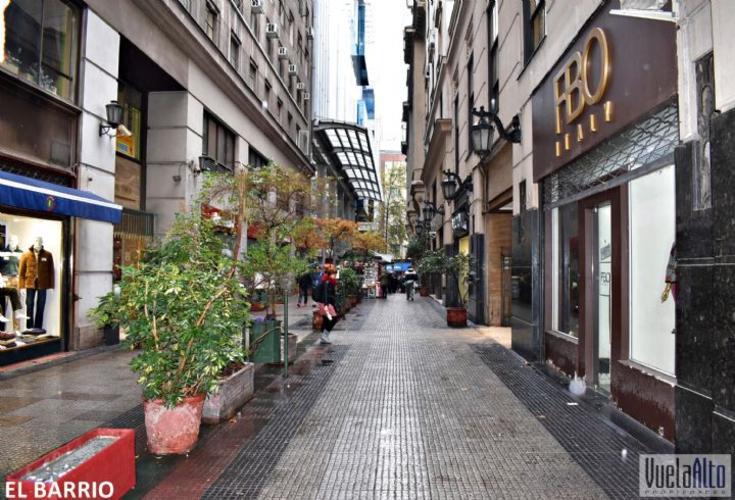 AGUSTINAS / METRO UNIVERSIDAD DE CHILE