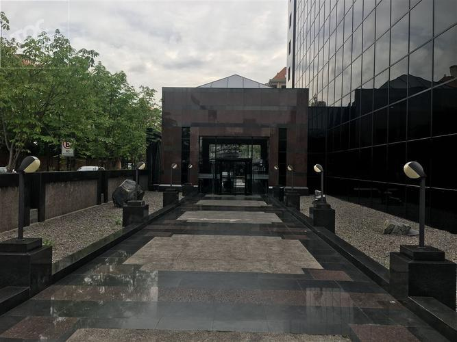 Kennedy frente a Mall Parque Arauco