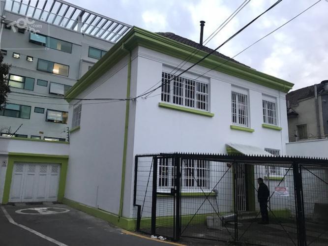 Arrienda - Casa Remodelada de Dos Pisos Apta para Oficina