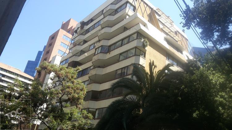 Centro Financiero de Santiago - Metro Tobalaba L4