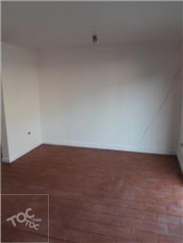 Hermosa casa ubicada en barrio residencial a 10 minutos caminado al metro Metro del Sótero del Río,