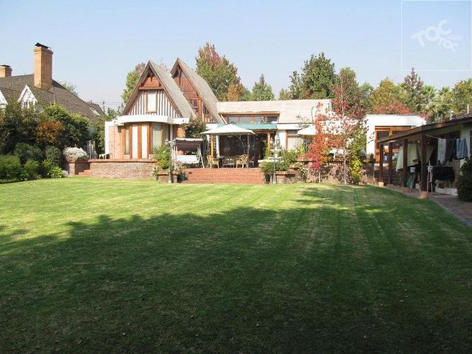 Casa Comercial / Rotonda Las Flores