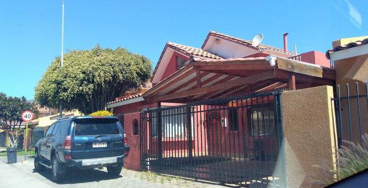 HERMOSA CASA EN AVENIDA ESTADIO