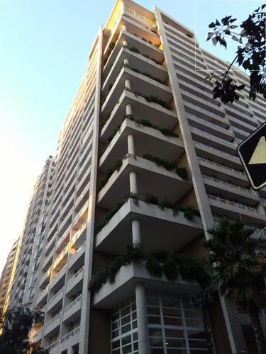 Arriendo departamento 1 dormitorio, 1 baño, bodega cerca Metro Moneda y Toesca