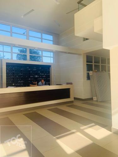 Amplio departamento de 2 hab 2 baño con Estacionamiento, Metro Las Rejas, Nuevos