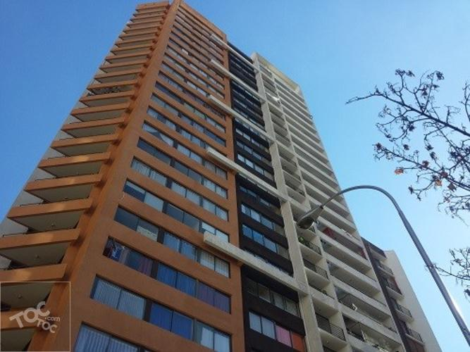 Se arrienda departamento en Arturo Prat 399 Stgo.